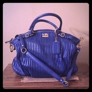 Authentic Coach madison lindsay bag!